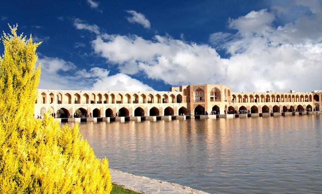فرکانس طبیعی یک پل در آباکوس - پل خواجو اصفهان